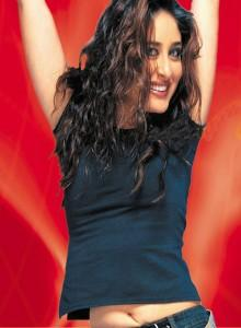 Kareena Kapoor Hot Navel Show Swetest Still