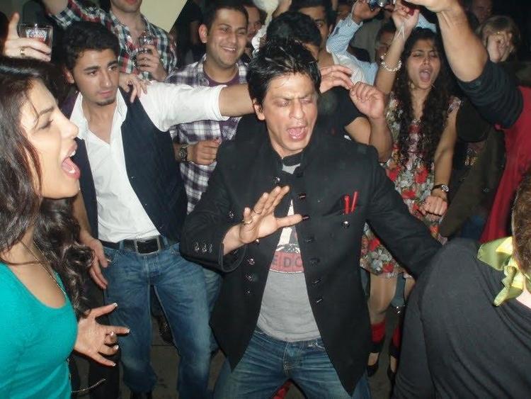 Shahrukh Khan and Priyanka Dancing Pic at Don 2 Party In Berlin