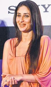 Kareena Kapoor Gorgeous Smile Pic