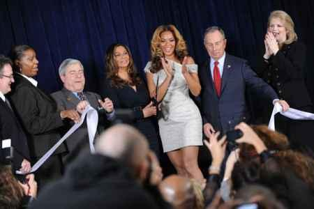 Beyonce Knowles At Cosmetology Center Opening