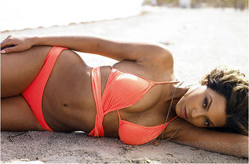 Beyonce Knowles In Rose Color Bikini Wet Outfit Still