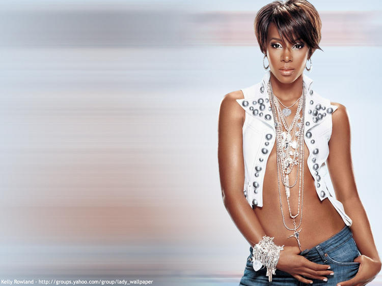 Bold Kelly Rowland Hot Photo