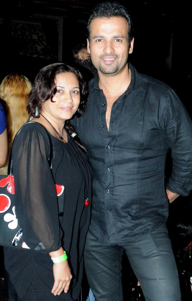 Rohit Roy and wife Mansi at Strings Concert in Bandra