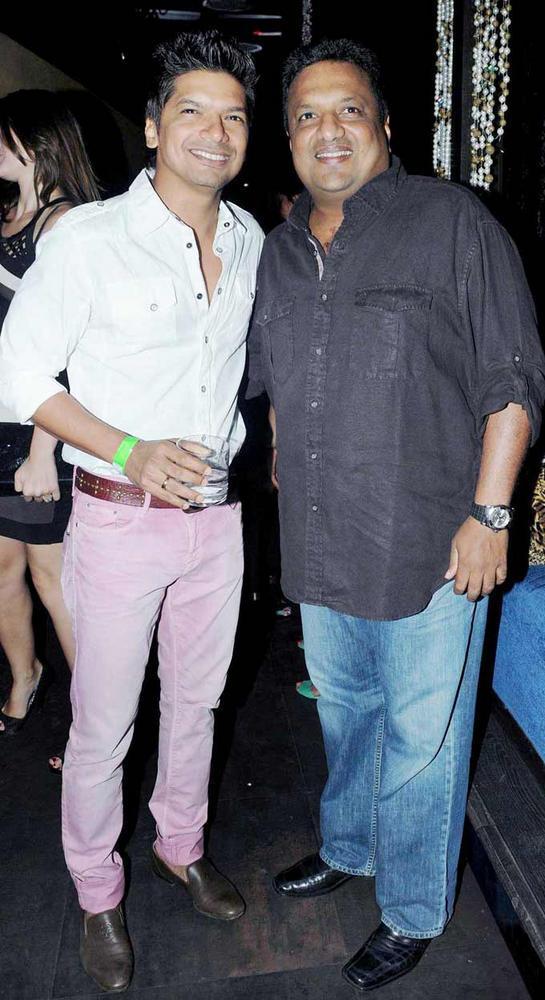 Singer Shaan and Sanjay Gupta at Strings Concert In Bandra