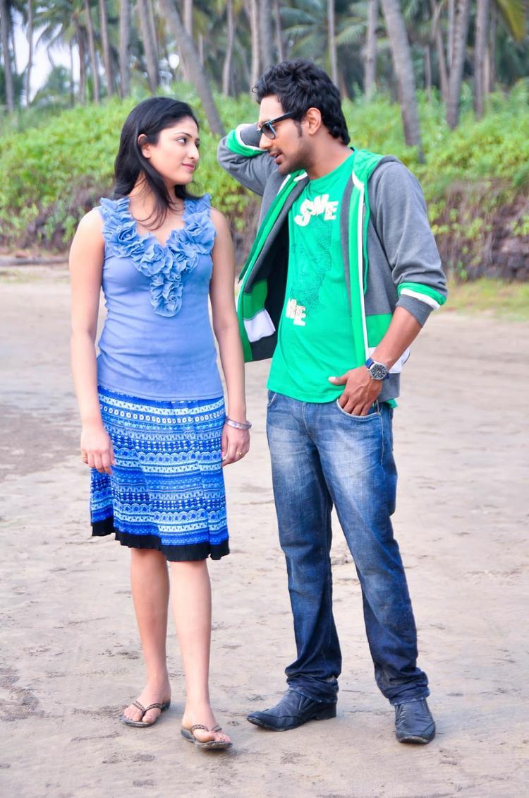 Varun And Hari Priya Latest Photo From Movie Abbai Class Ammai Mass