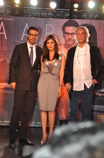 Arjun,Chitrangada And Sudhir Clicked At The Launch Of Inkaar Calendar