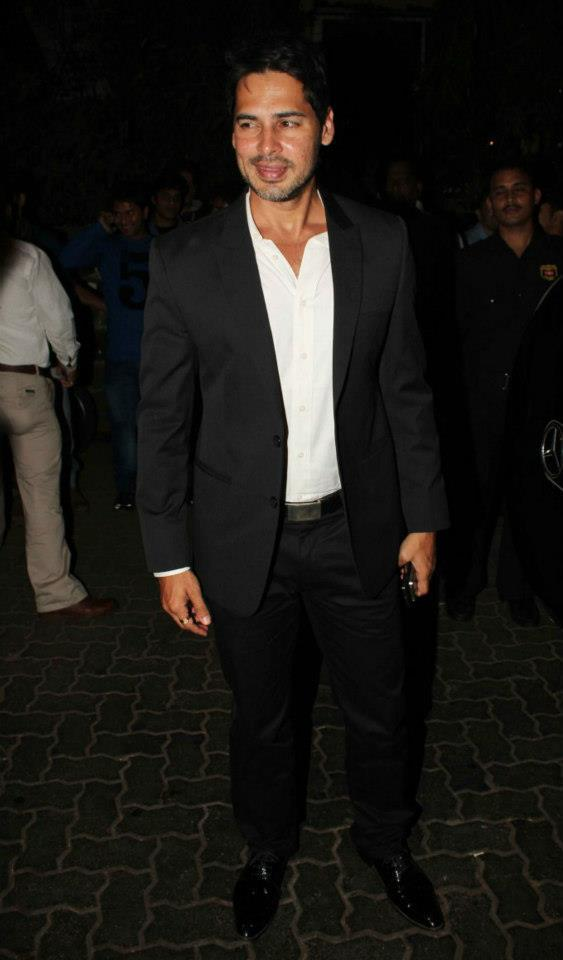 Dino Morea Looked Handsome In A Black Suit At Anu Dewans Christmas Bash