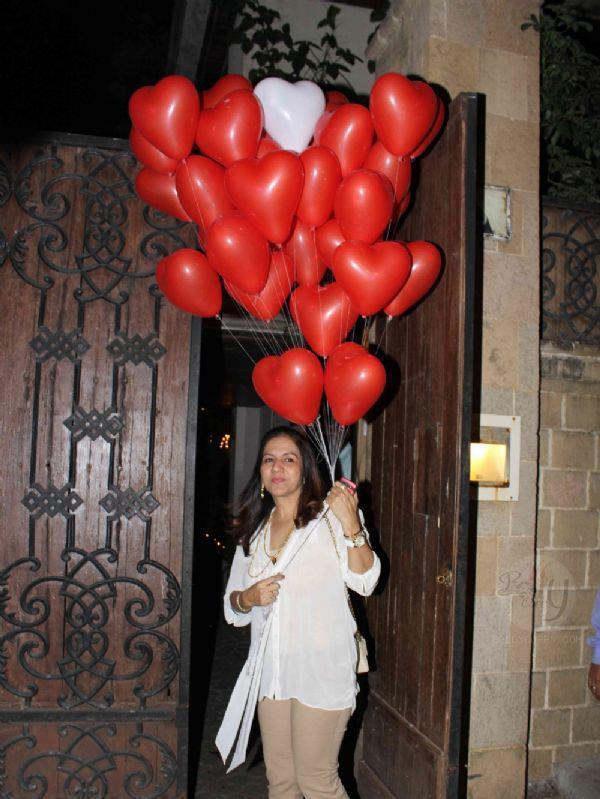 A Celeb With Love Baloons At Jacky Bhagnani Birthday Bash