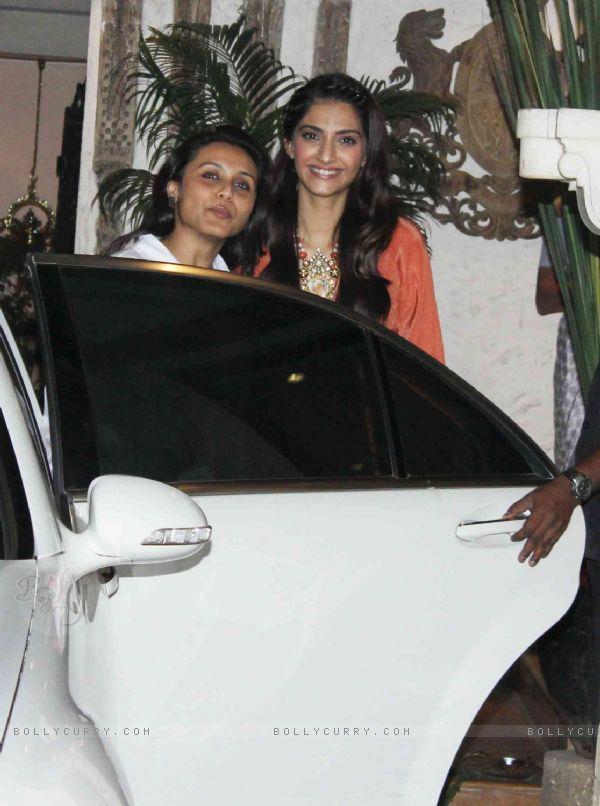 Rani And Sonam Grace Jacky Bhagnani Birthday Bash