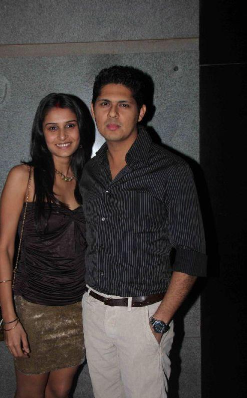 Vishal With Wife Rashi Attend Jackky Bhagnani Birthday Bash