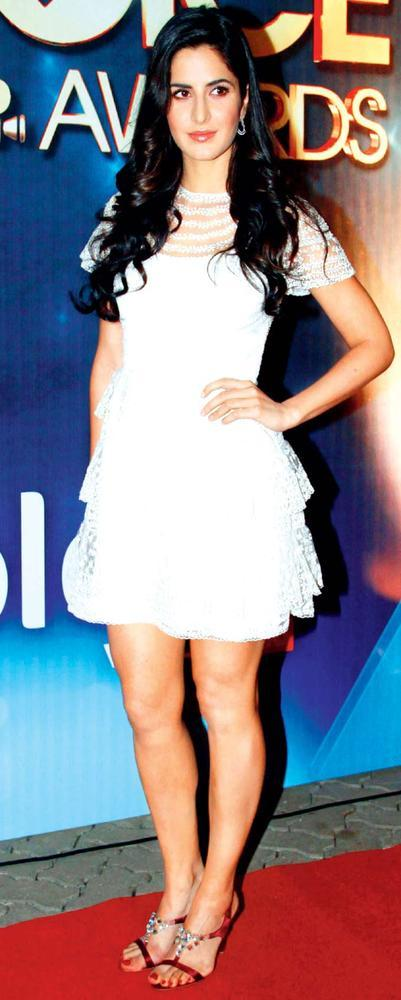 Katrina Makes For A Pretty Figure In Lace Dresses