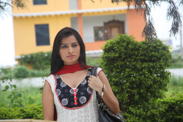 Nisha Movie Heroin Cute Look Photo In Chudidar