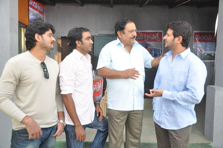 Chandra Mohan And Raja Photo Clicked At Athanu Hardware Aame Software Movie Location