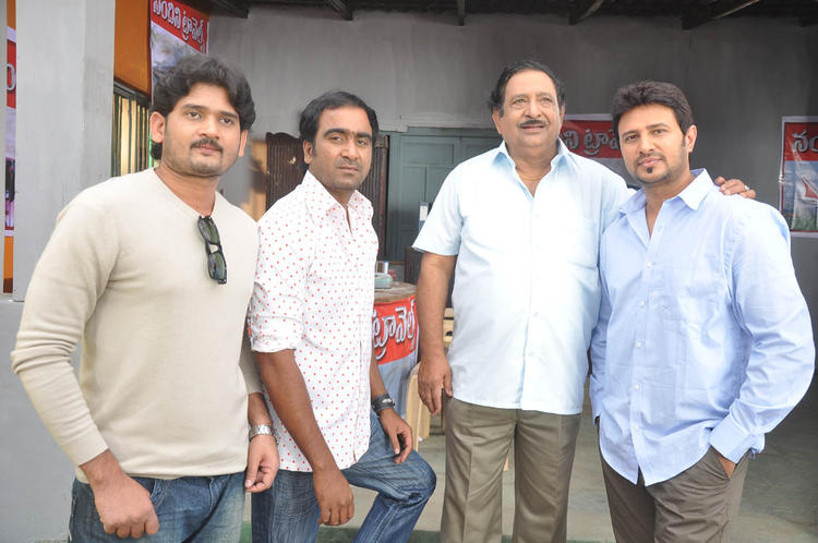 Chandra Mohan And Raja With Team Posed For Camera At Athanu Hardware Aame Software Movie Location Still