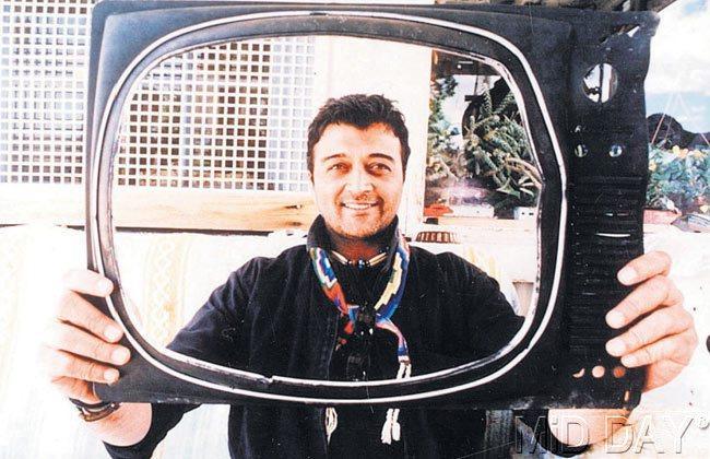 Singer Lucky Ali Smiling Pic