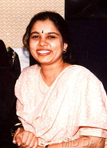 Singer Sadhana Sargam Smiling Face Look Still