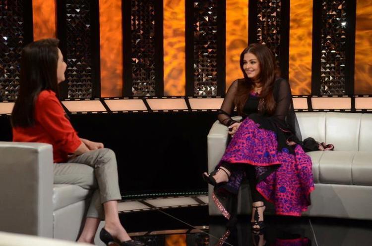Aishwarya And Anupama Chatting At The Front Row Show