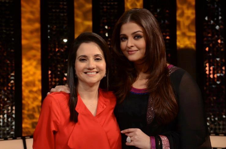 Aishwarya And Anupama Pose For Camera At The Front Row Show