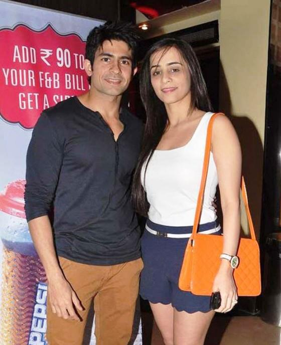 Hussain With Wife Tina Cute Smiling Pose At The Screening Of Balak Palak