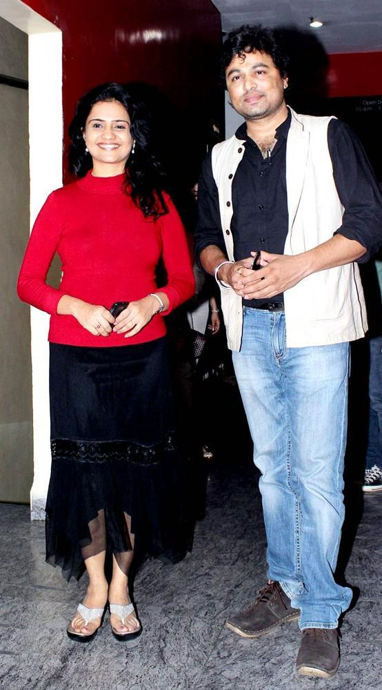 Shashwati And Subodh Pose For Camera At The Screening Of Balak Palak