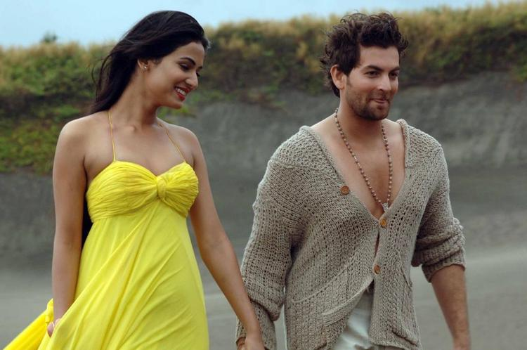 Sonal And Neil Nitin Mukesh Cute Smiling Still From Movie 3G