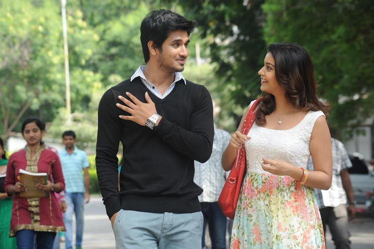 Nikhil And Swati Glamour Look Still From Telugu Movie Swamy Ra Ra
