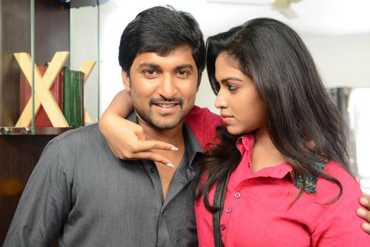 Nani And Amala Paul Hug Photo Still At Jenda Pai Kapiraju Movie Location