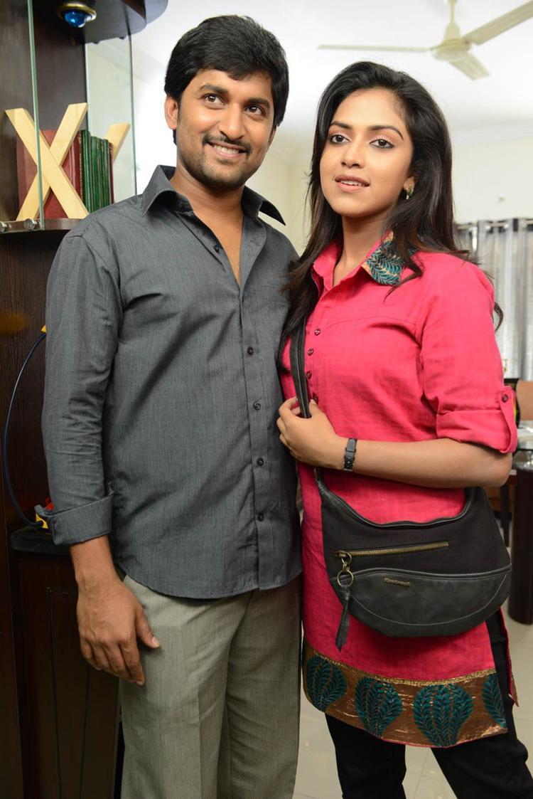 Nani And Amala Paul Snapped At Jenda Pai Kapiraju Movie Location
