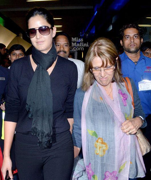 Katrina Kaif With Her Mom Suzanne Turquotte At Airport