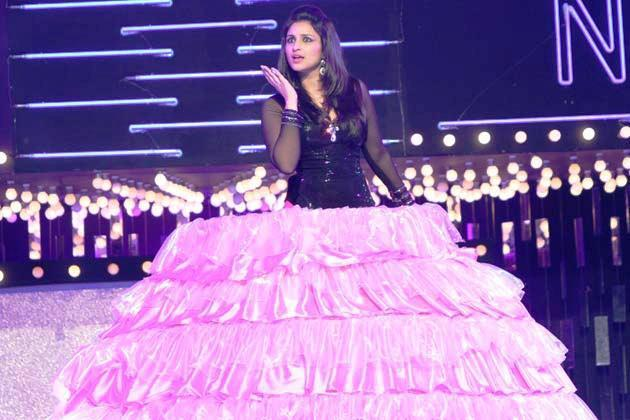 Parineeti Extra Ordinary Look In Designer Dress At Glitterati 2013 Aamby Valley City On New Years