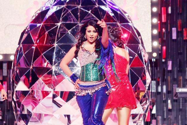 Anjana Sexy Performance At Glitterati 2013 Aamby Valley City On New Years