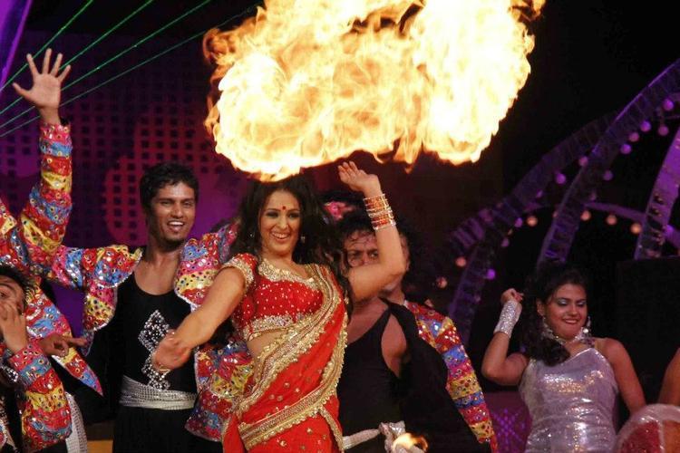 Anjana Belly Break Dance At Glitterati 2013 Aamby Valley City On New Years
