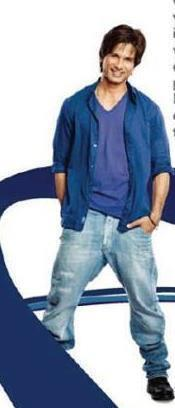 Shahid Kapoor Smiling Pose Photo Shoot For Dulux Colours And You Book