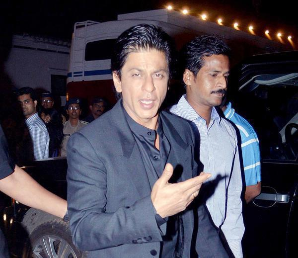 Shahrukh Photo Clicked While Arrived At Umang Police Show 2013