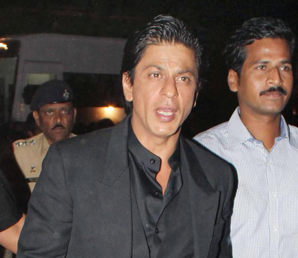 Shahrukh Spotted At Umang Police Show 2013