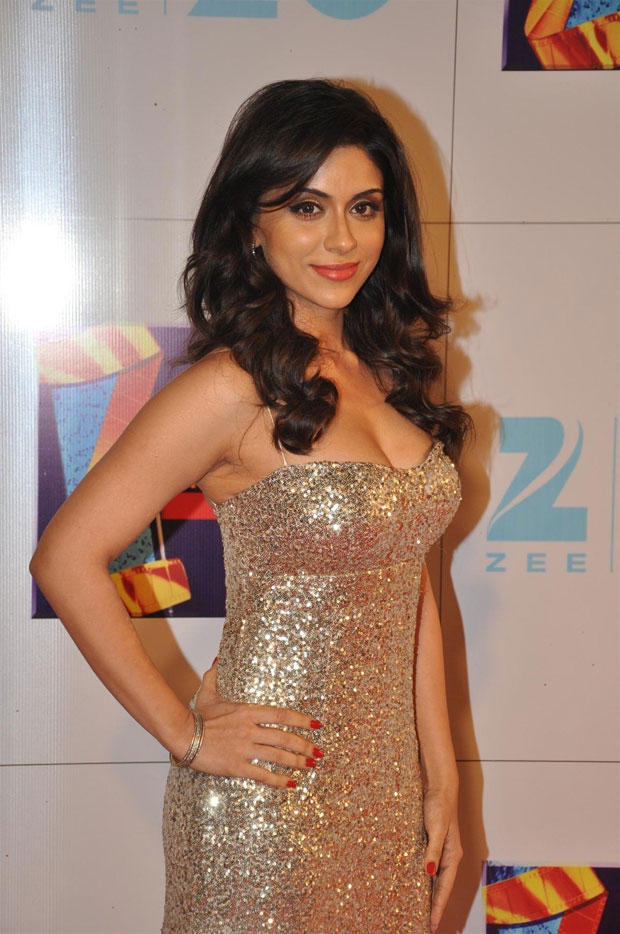 A Hot Celeb Sexy Cleavage Show Photo Clicked At Zee Cine Awars 2013
