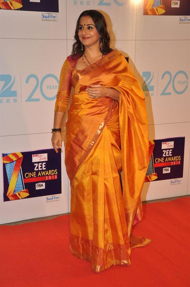 Vidya Wear A Silk Saree Attends The Zee Cine Awards 2013 Ceremony