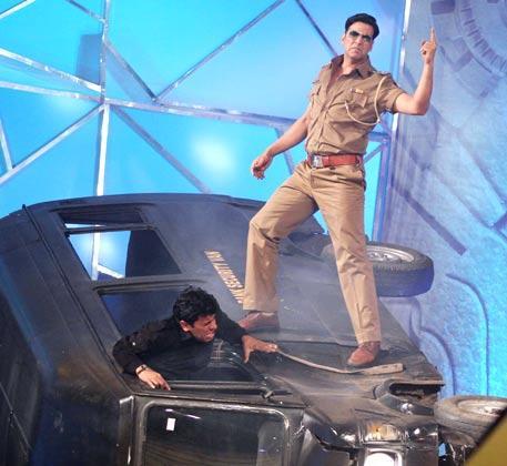 Akshay Kumar Dashing Performance At Police Umang Show 2013 In Mumbai