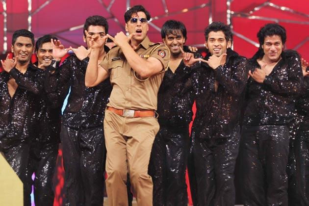 Akshay Kumar Perform As Krishna In Police Dress At Police Umang Show 2013 In Mumbai