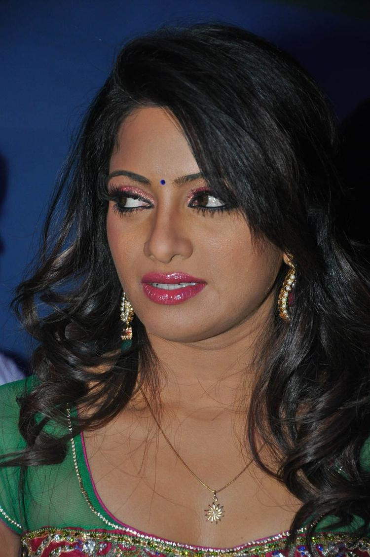 Udaya Bhanu Nice Look Still At Mirchi Movie Audio Launch Event