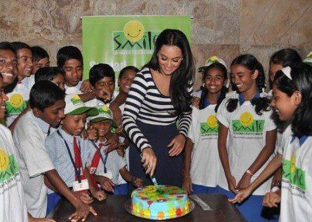 Sonakshi Sinha Cuts Cake At Screening Of Dabangg 2 For NGO Kids