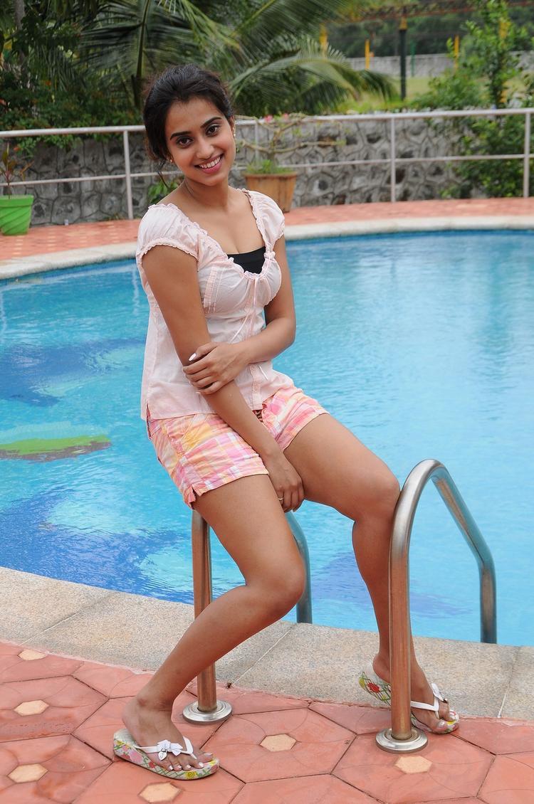 Dimple Chopade Hot Look From Yaaruda Mahesh Movie