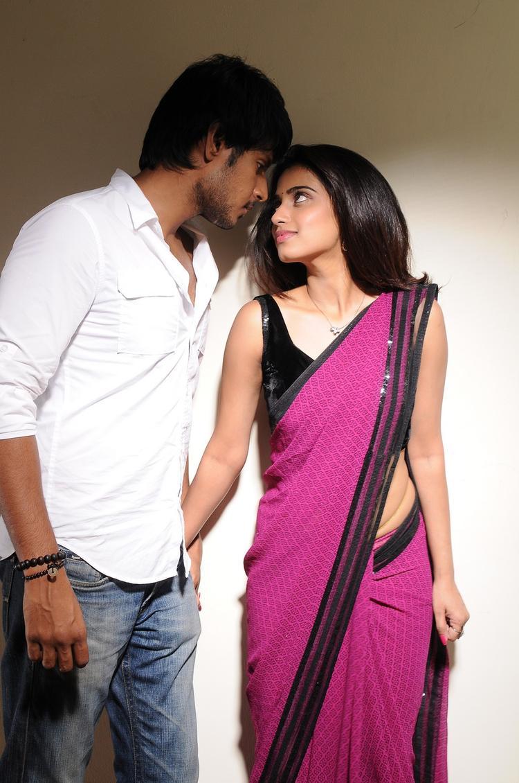 Sundeep And Dimple Romantic Scene From Yaaruda Mahesh Movie