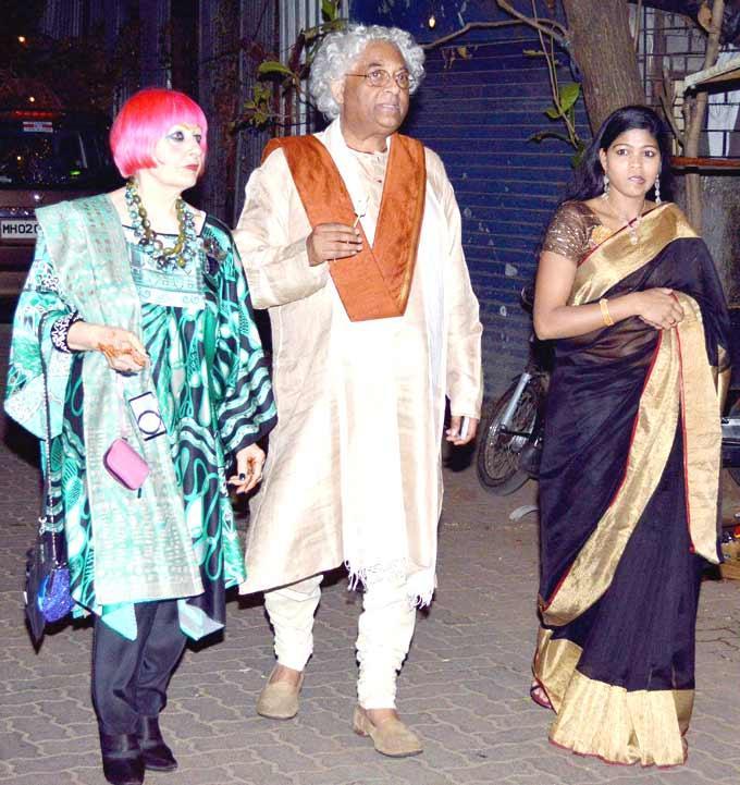 Celebs Walking Photo Clicked At Shaad Alis Wedding Bash
