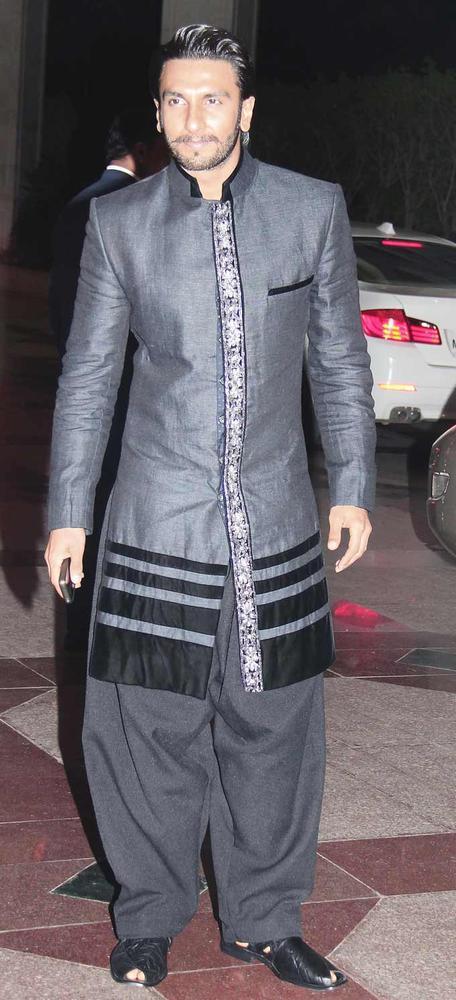 Ranveer Singh Looked Smart In A Panjabi Suit At Shaad Alis Wedding Bash
