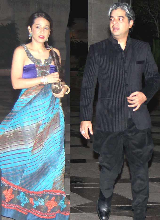 Shaad Ali With His Bride Aarti Patkar Photo Clicked During Their Wedding Bash