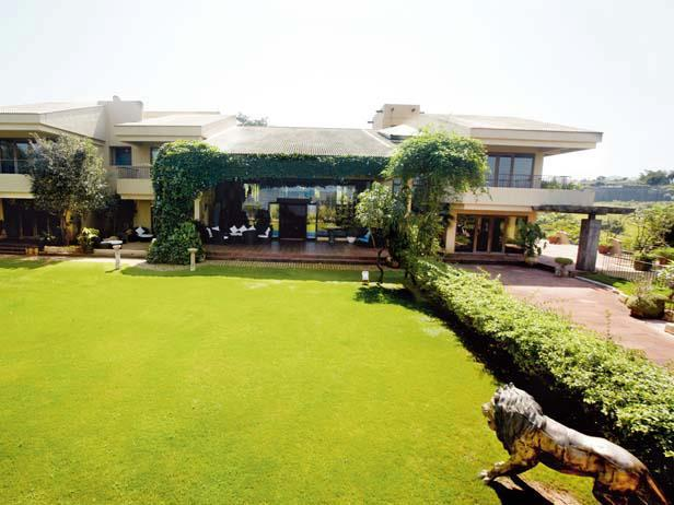 A Cool Superb Nice Pic Of Suniel Shetty's Bungalow At Khandala
