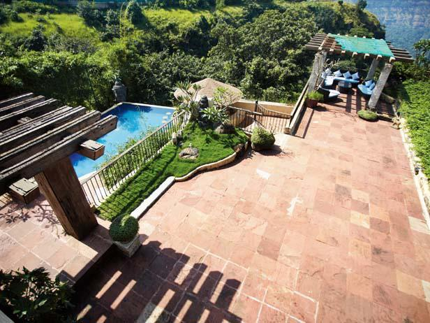 A Nice Pic Of Suniel Shetty's Bungalow At Khandala