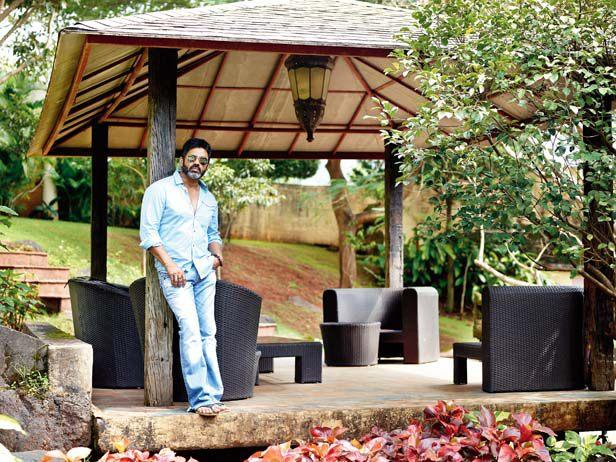 Suniel Shetty Cool Pose In Garden At His Khandala House