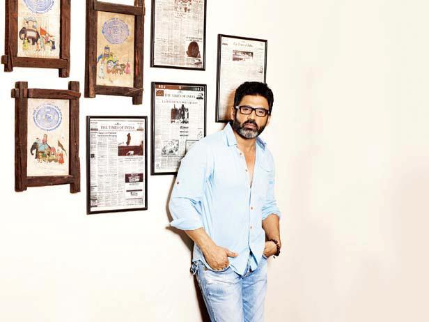 Suniel Shetty Strikes A Pose At His Khandala House